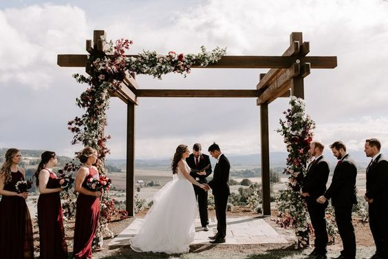 50+ Rustic Wedding Decoration Ideas for Creating a Rustic-Style Wedding