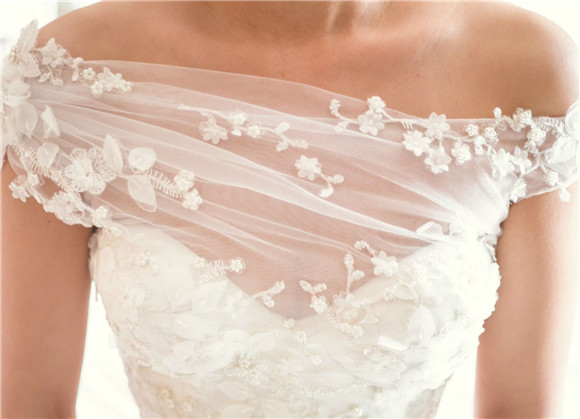 50+ Unique Wedding Dresses For Fashion-Forward Brides