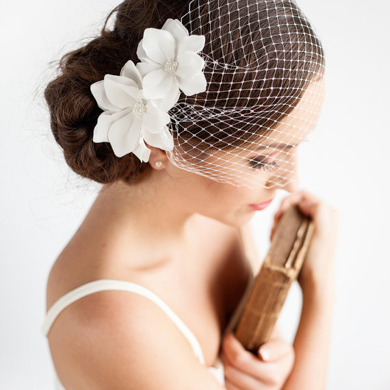 Wedding Hair Accessories For Fashion-Forward Brides