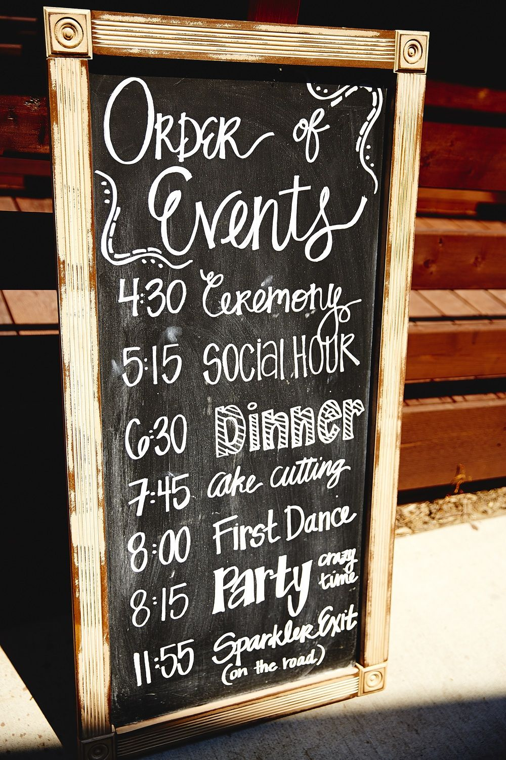 Wedding Signs That Your Guests Will Love